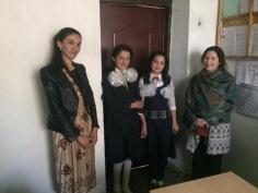 Meeting students in Ishkasim